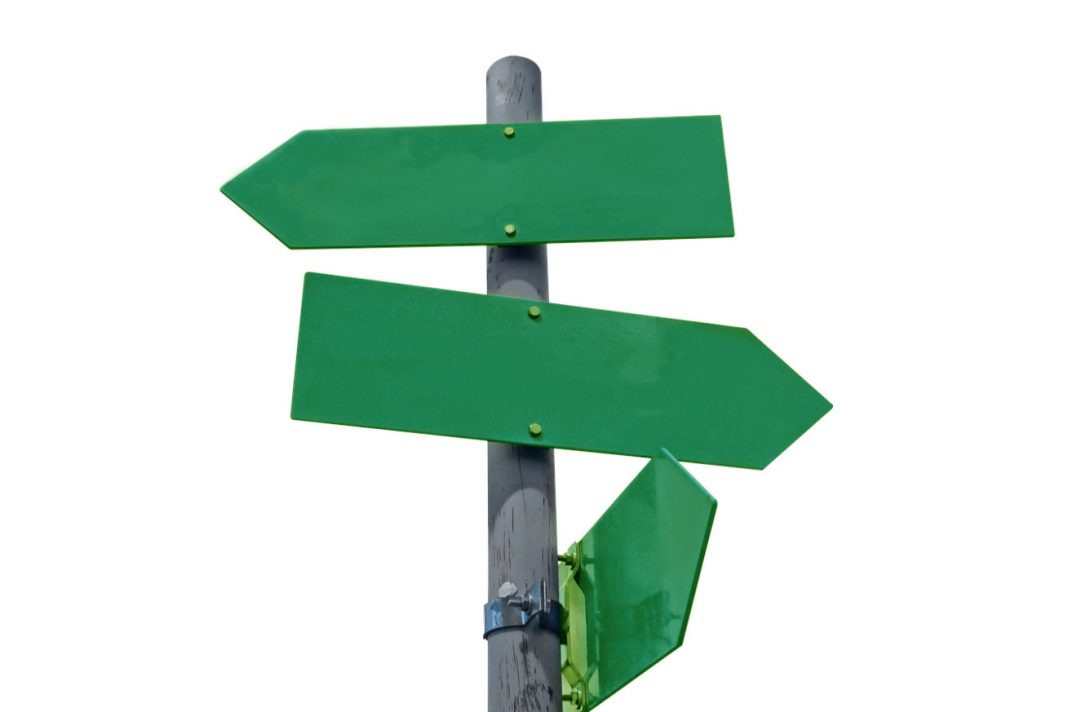 green-intersection-signs